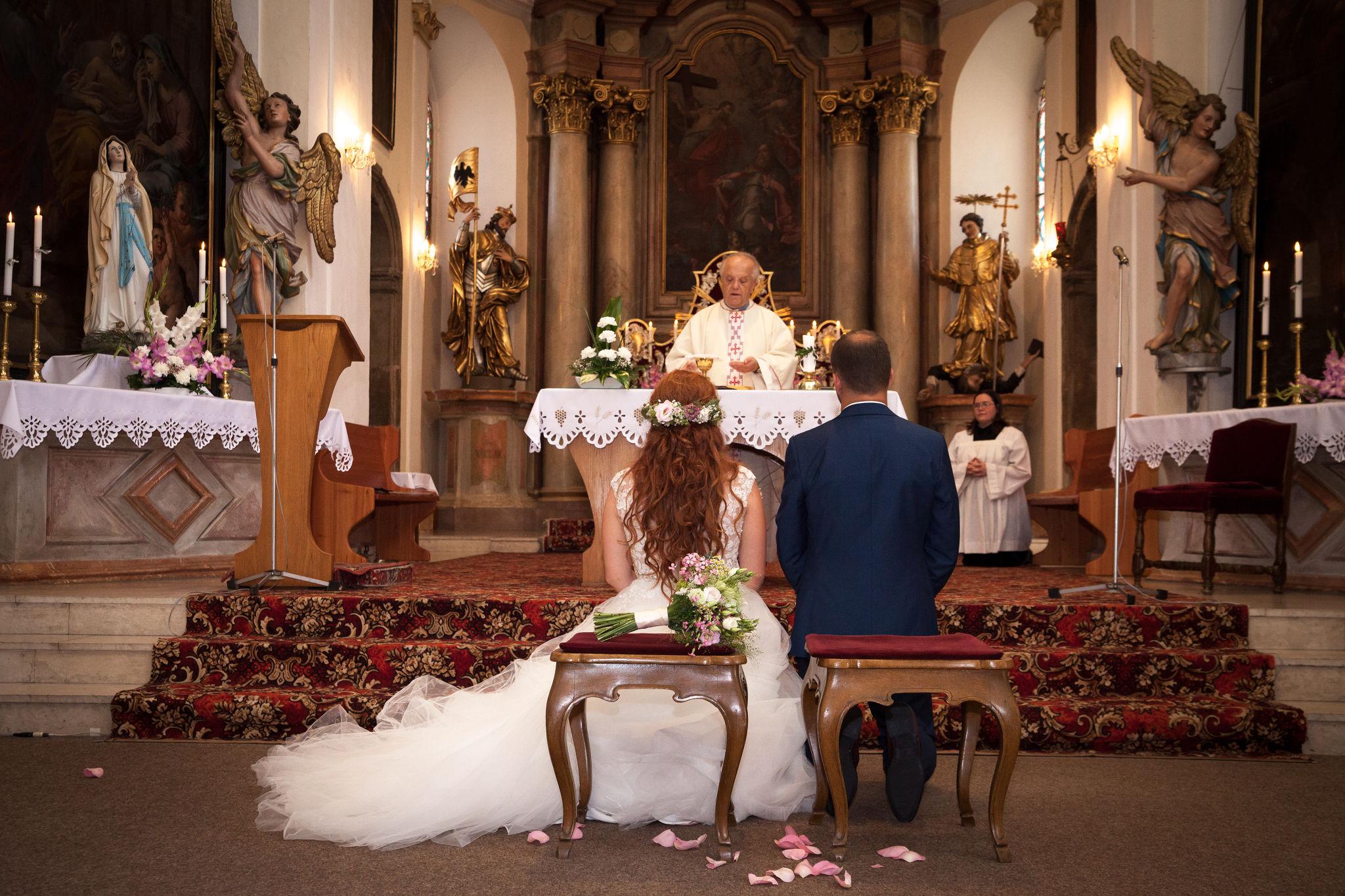 Svatba v kostele, fotograf Břetislav Válek