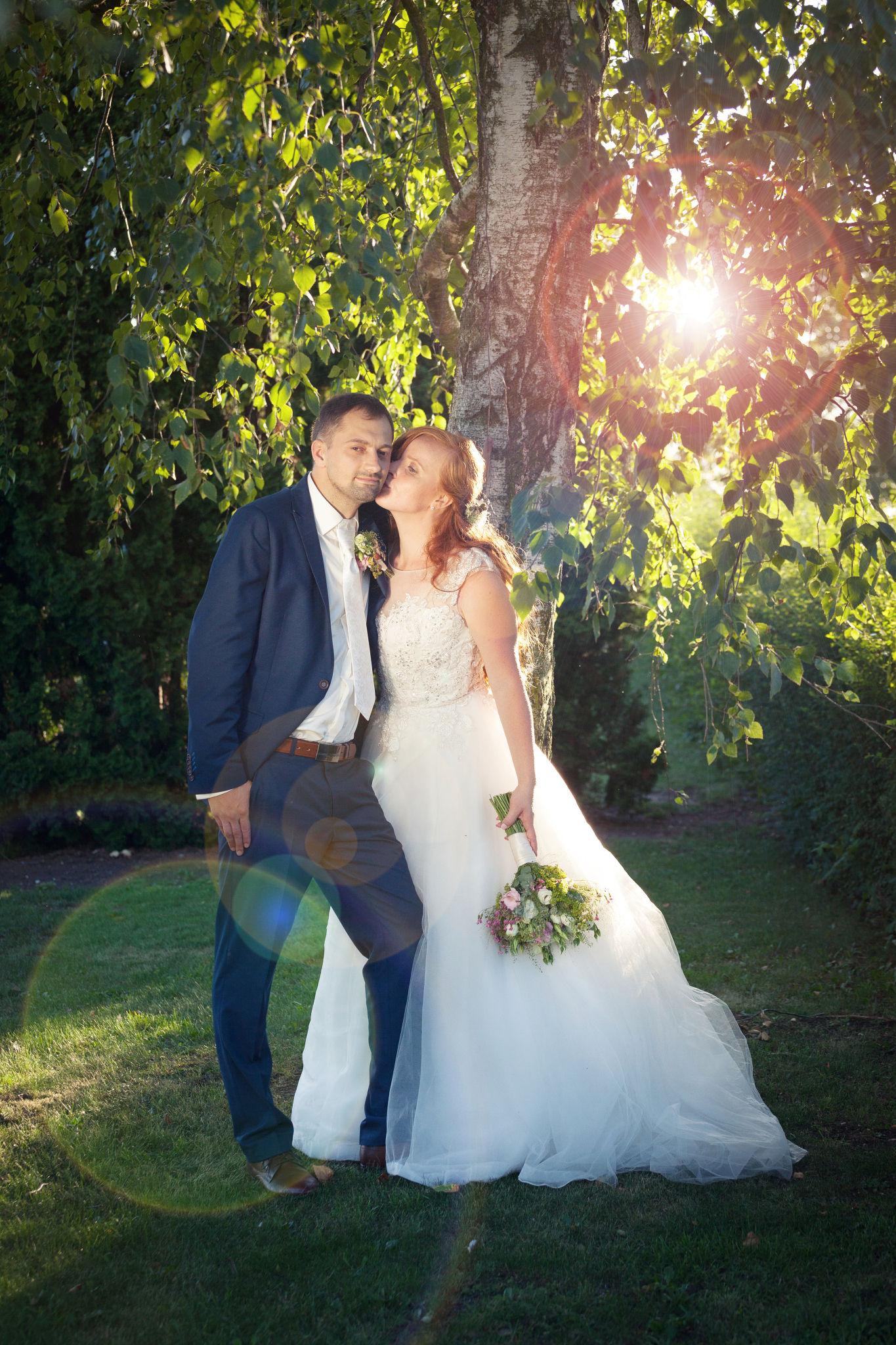 Svatba, nevěsta a ženich, svatební foto