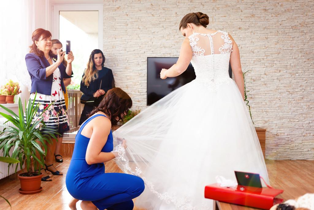 Strojení nevěsty