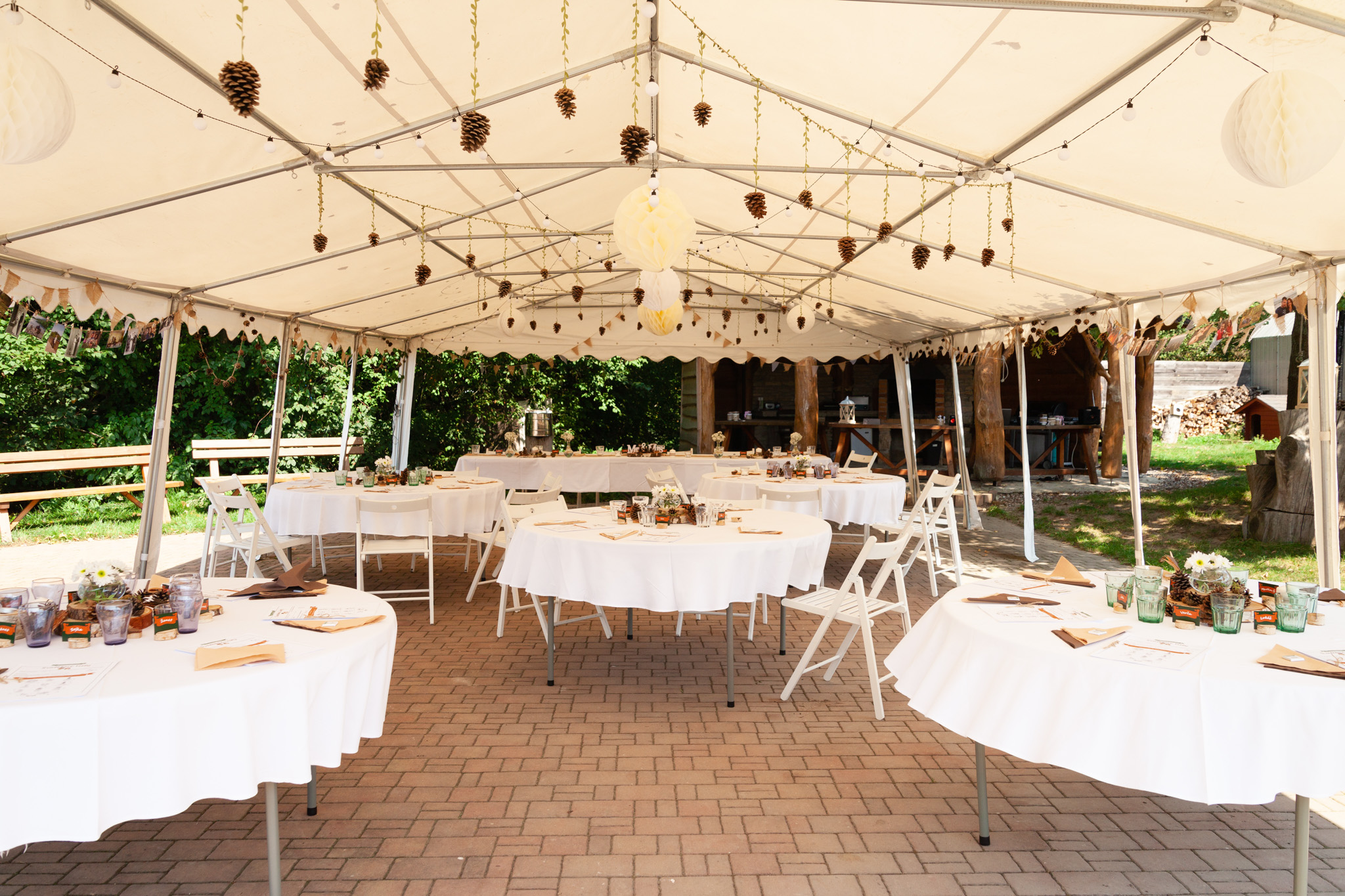 Svatební stan a sezení