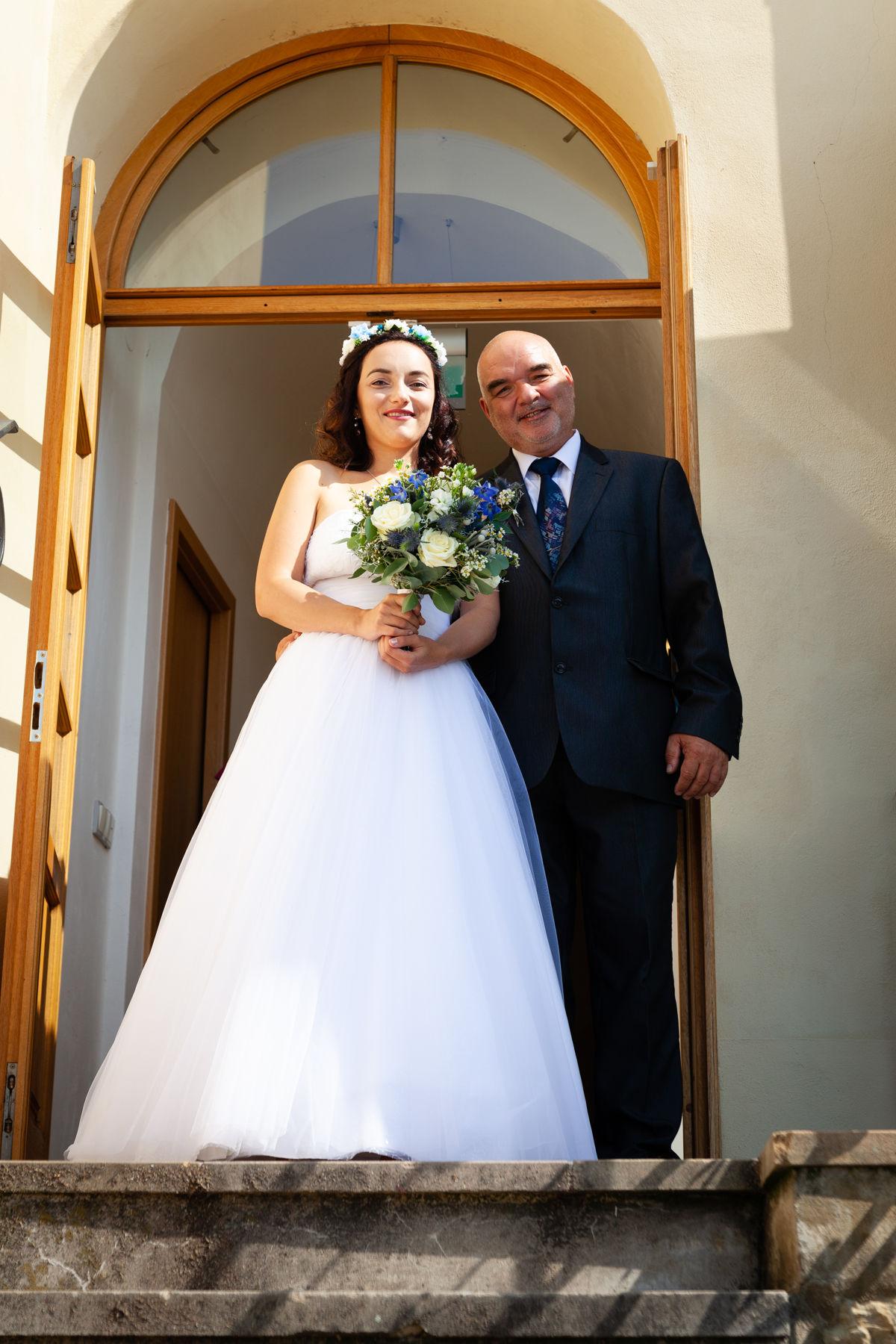 Nevěsta s tatínkem, portrét