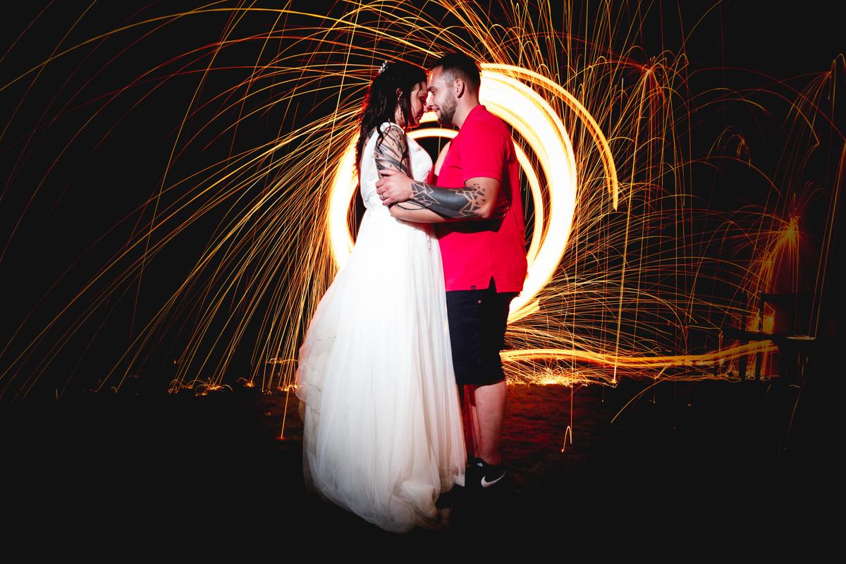 Svatební portrét s ocelovou vatou