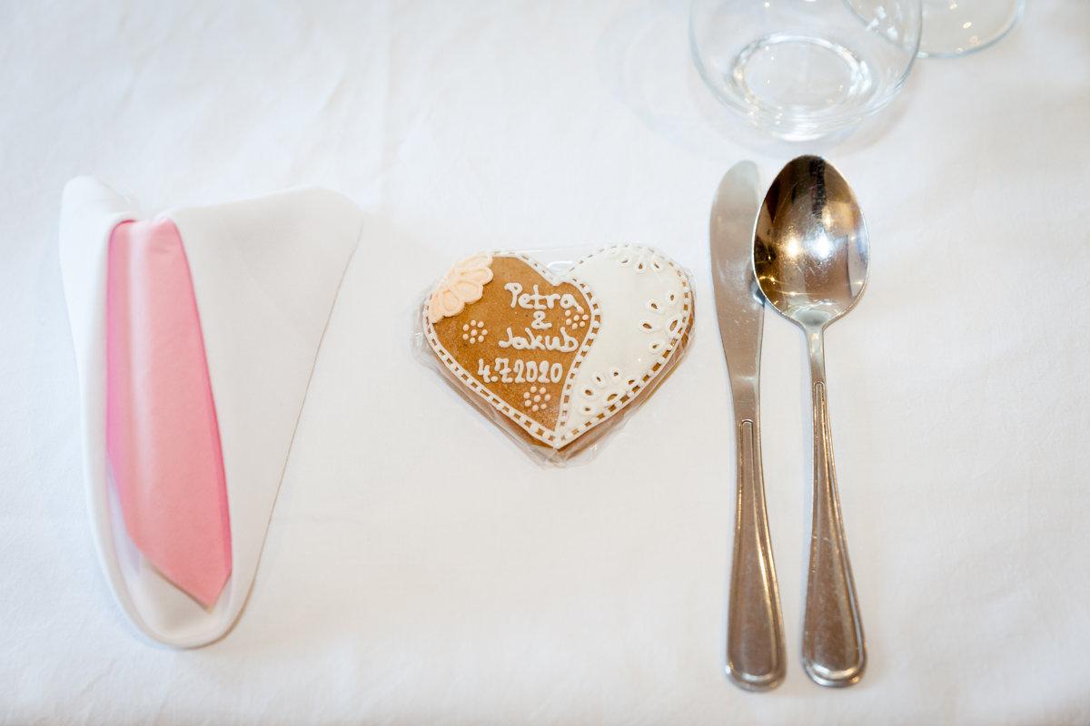 Detail svatební tabule, svatební srdce