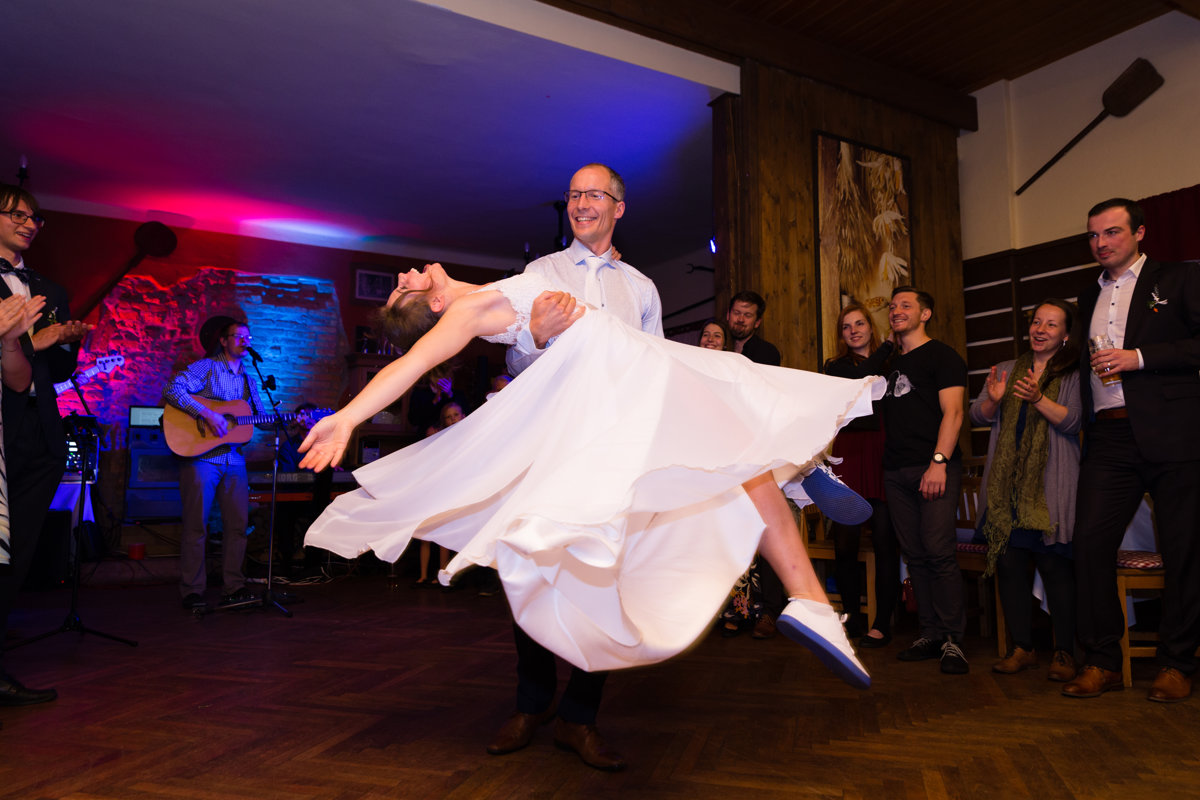 Novomanželský tanec, Obora Trpišov