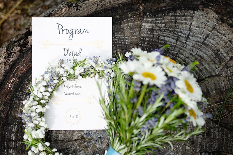 Detail na program svatby, květina, pařez, příroda, svatba