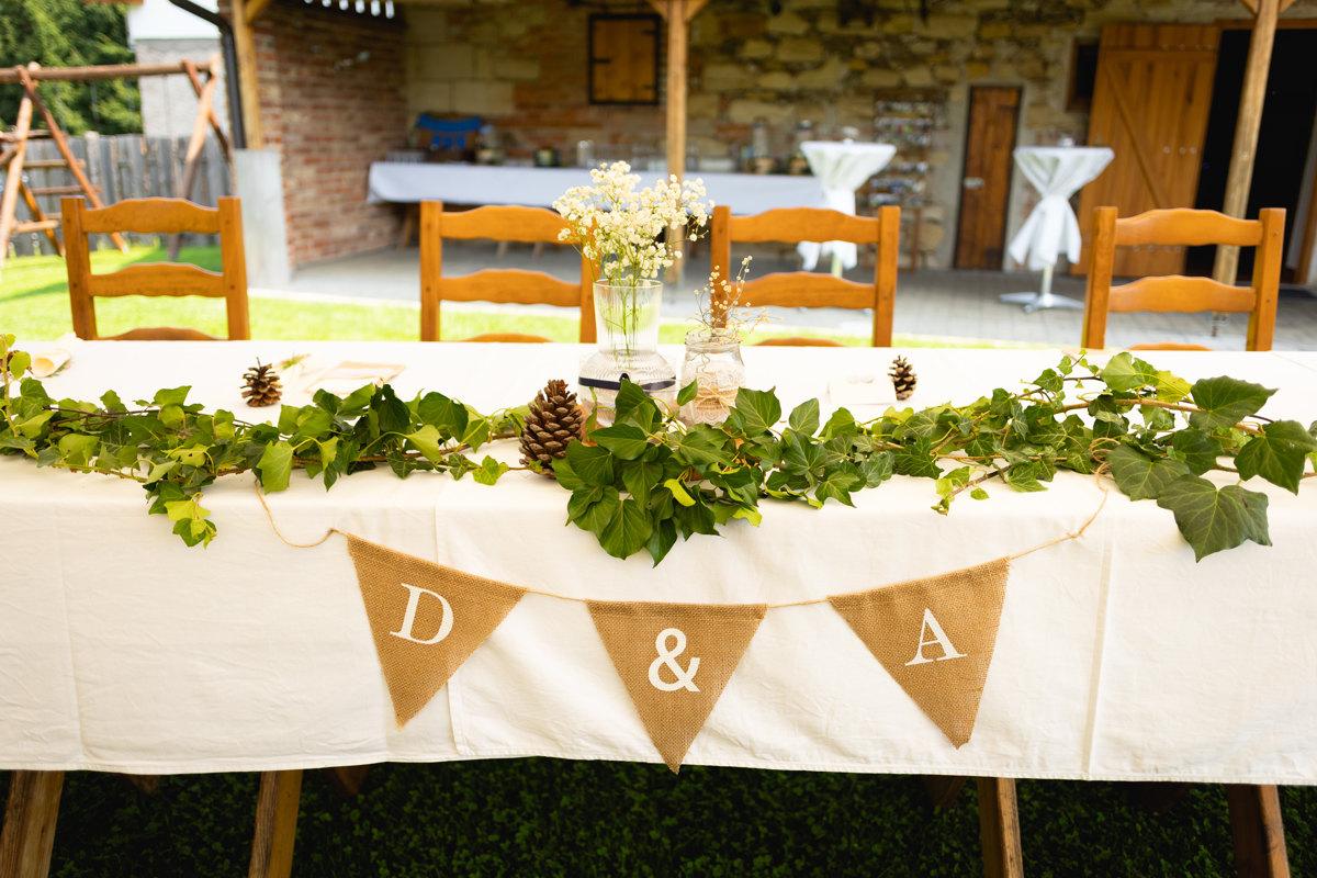 Svatební dekorace, detail na stůl a výzdobu