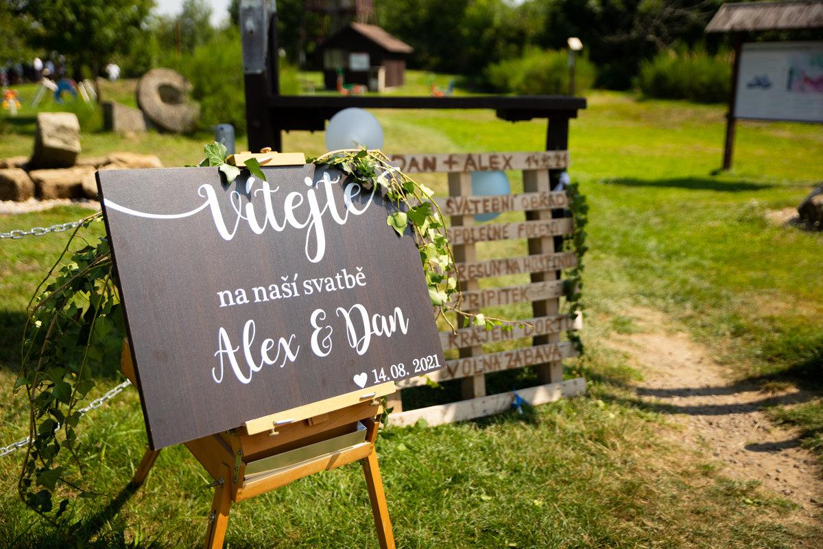 Detail uvítací tabule, svatba